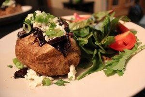 balsamic-caramelized-onion-mushroom-baked-potatoes